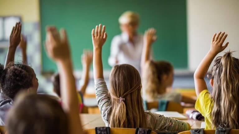 insegnanti quanto guadagnano in italia e europa
